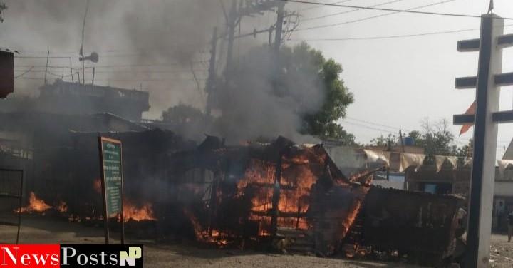 राजुर कॉलरी येथील सहा दुकाने जळून खाक